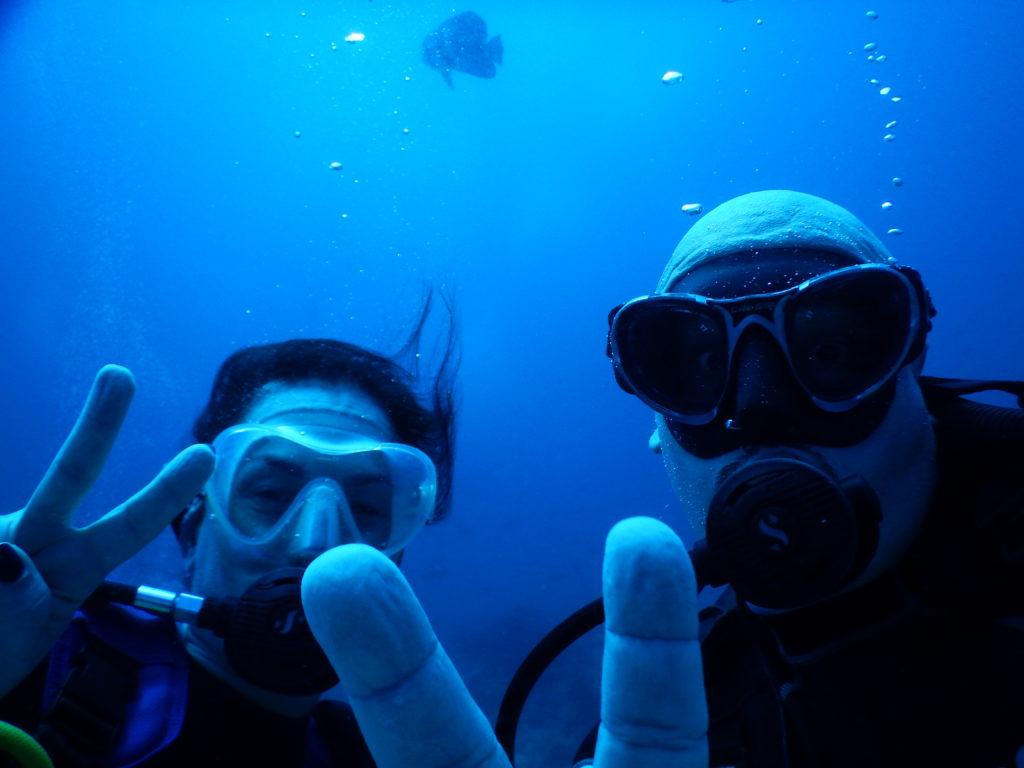io e Nicco durante la nostra prima immersione subacquea